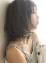 カジュアルスタイル(髪型ボブ)