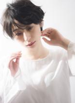 なびくショート(髪型ショートヘア)