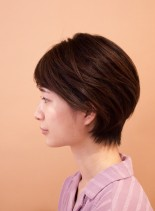横顔美人シンプルショート(髪型ショートヘア)