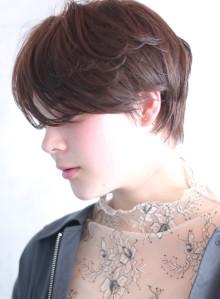 前髪長め◇柔かなニュアンスショート(ビューティーナビ)