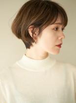 骨格美シンプルショート(髪型ショートヘア)
