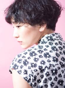 黒髪マッシュパーマショート(ビューティーナビ)