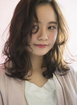 無造作パーマスタイル(髪型セミロング)