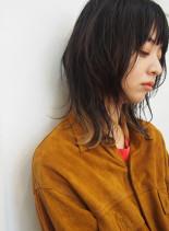 レイヤーウルフ(髪型ミディアム)
