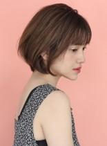 横顔美人の大人ショートボブ(髪型ショートヘア)