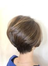 40代50代 後ろ姿も綺麗なショート(髪型ショートヘア)