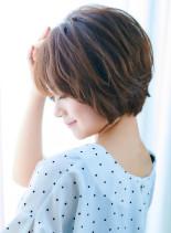 40代50代ボリュームふんわりショート(髪型ショートヘア)