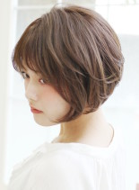 30歳からの前下がりショートスタイル(髪型ショートヘア)