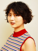 外国人風カーリーショートボブ(髪型ショートヘア)