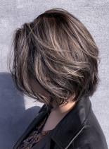 シルバーハイライトボブ(髪型ボブ)