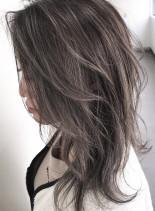 セミレイヤー×バレイヤージュ(髪型セミロング)