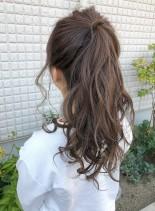 ゆる巻きポニーテール(髪型ロング)