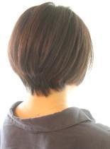 30代40代に人気頭の形が綺麗なショート(髪型ショートヘア)