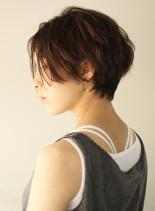 大人のレイヤーショート(髪型ショートヘア)