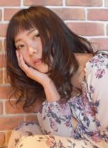 くせ毛風ウェーブスタイル(髪型セミロング)