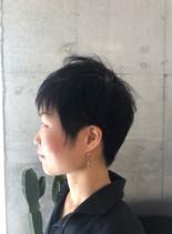 大人ツーブロックテーパーショート(髪型ベリーショート)