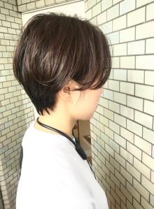 30代・40代◎キレイな暗髪ショート(ビューティーナビ)