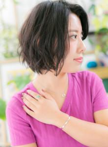 黒髪&かきあげ☆小顔ひし形ショート(ビューティーナビ)