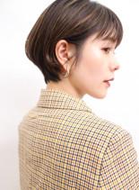 大人綺麗耳掛けショートスタイル(髪型ショートヘア)