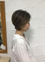 バレイヤージュ ショートカラー(髪型ショートヘア)