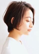 空気感のある大人のショートボブスタイル(髪型ショートヘア)