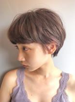 柔らかさを感じるエアリーショート(髪型ショートヘア)