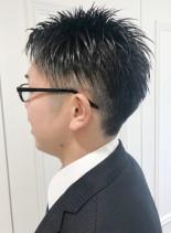 スーツに似合う黒髪2ブロックビジネスヘア(髪型メンズ)