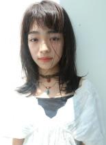 夏のミディアムレイヤー(髪型ミディアム)
