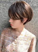 艶のある横顔美人ショート(髪型ショートヘア)