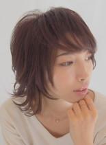 大人女性ウルフスタイル(髪型ミディアム)