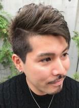アシメモヒカン(髪型メンズ)
