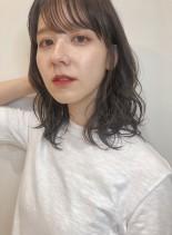 シースルーバングで抜け感◎小顔大人ミディ(髪型ミディアム)