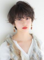 無造作カールの小顔ショート(髪型ショートヘア)