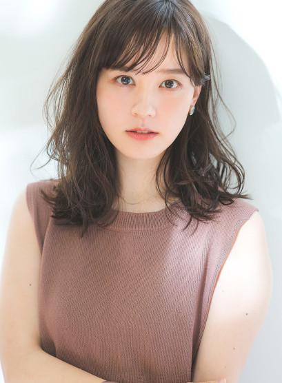 30代・40代 外ハネくびれセミディ(髪型セミロング)