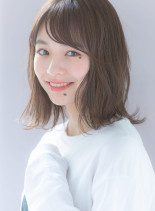 透明感ミルクティーベージュボブ(髪型ミディアム)