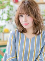 ふんわり質感&外国人風カラー外ハネミディ(髪型ミディアム)