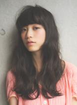 厚めバングのフェミニンクラシカルロング(髪型ロング)