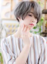 ひし形シルエットの大人ハンサムショート(髪型ショートヘア)
