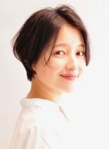 ひし形シルエットのショートスタイル(髪型ショートヘア)