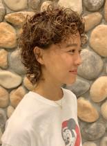 カーリーマッシュウルフ(髪型ショートヘア)