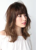 大人ひし形シルエットミディ(髪型セミロング)