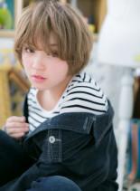 外国人風ふんわりコンパクトショート(髪型ショートヘア)