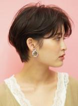 オトナ女子の綺麗なショートカット(髪型ショートヘア)