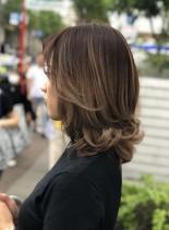外国人風バレイヤージュ(髪型ミディアム)