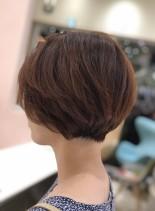 グラデーションショートボブ(髪型ショートヘア)
