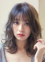 ディープグレージュレイヤーミディ(髪型ミディアム)
