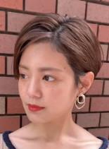 クールビューティーな耳掛けショート(髪型ショートヘア)