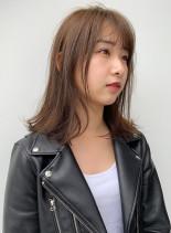 ラフミディアムミルクティーベージュカラー(髪型ミディアム)