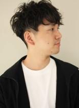 黒髪マッシュのビジカジツーブロック(髪型メンズ)