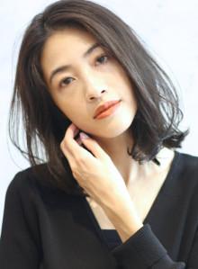 大人め暗髪◇ナチュラルミディ(ビューティーナビ)
